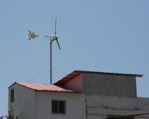 Rooftop home wind turbine