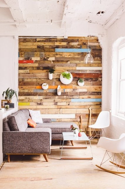 Saving Wood In Home Décor. Recycled Wood Wall. Reclaimed Wood Wall